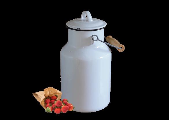 Milchviehbetriebe produzieren die Milch selbst für den Bauernhof Eis, ergänzt mit regionalen Rohstoffen wie Erdbeeren